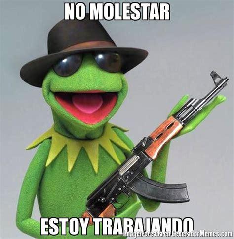 imagenes de rana llorando no molestar estoy trabajando meme de la rana rene memes