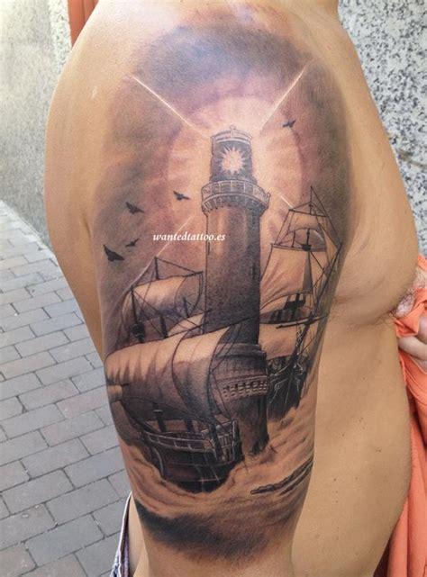 samuel sancho tatuador en el estudio de tatuajes wanted