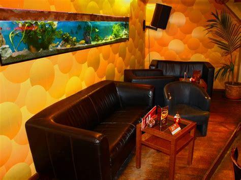 einzelne stühle cafebar am martinstor in freiburg mieten partyraum und