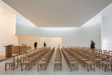 alvaro siza  white concrete church  brittany