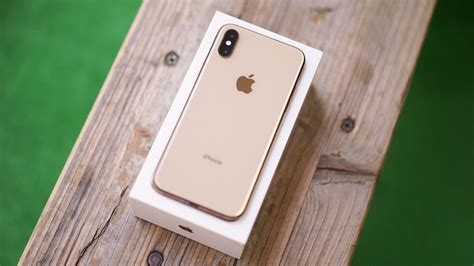 apple iphone xs unboxing beautiful gold color gadgetmatch