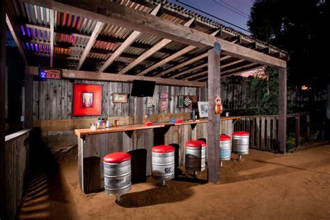 creative outdoor wet bar design ideas