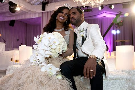 atlanta housewife kandi burruss wedding rhoa todd signs kandi s prenup just in time for wedding w