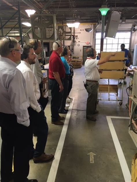 Masterbrand Cabinets Manufacturing Locations by How Is A Masterbrand Cabinet Made Seigle S Takes A Tour