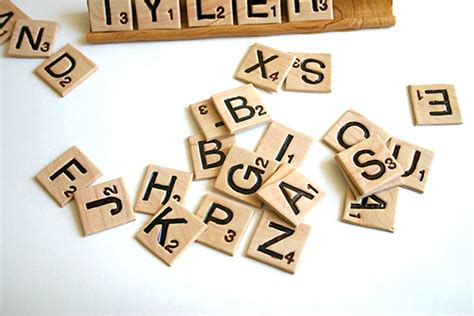 edible scrabble edible scrabble tiles words with taste technabob
