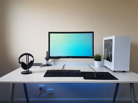 Desk Gaming Setup The Most Awesome Images On The Gaming Desk Gaming Setup And Pc Setup
