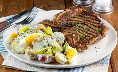 bifteck d aloyau et salade de pommes de terre estivale lesoeufs ca