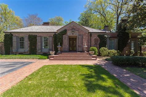 memphis tn luxury homes for sale 1 819 homes zillow east memphis luxury homes for sale