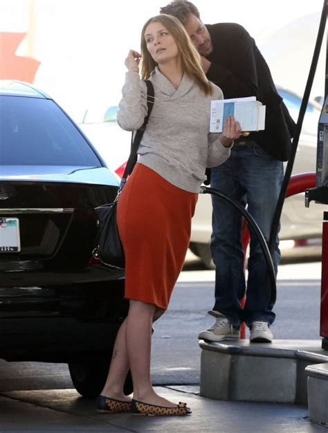 The Mccall Skirt That Mischa Barton Wore Is Now At Outfitters by Mischa Barton Wearing Skirt 02 Gotceleb