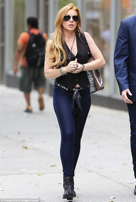 Lindsay Lohan Has A Healthy Appetite lindsay lohan looks happy and healthy as she hits the