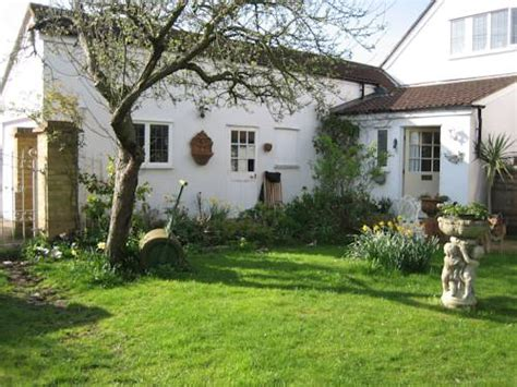 malara cottage hotels accommodation near kingston