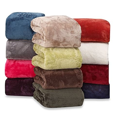 berkshire bedding berkshire blanket 174 serasoft 174 supreme throws www bedbathandbeyond com