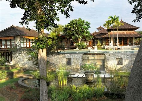 balinese house design bali house in colonial style with local art works digsdigs