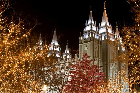 salt lake city temple with christmas lights lds temple