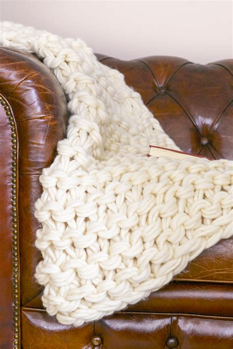 arm knitting a blanket arm knit blanket tutorial and giveaway flax twine