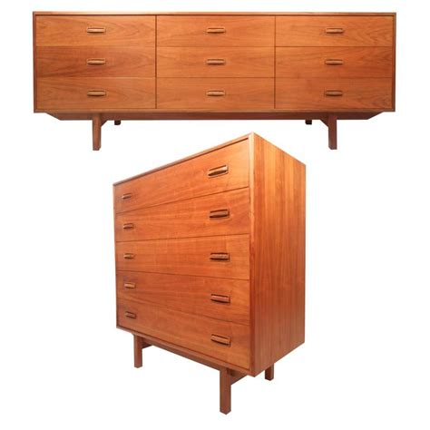 2 pc matching danish modern teak bedroom dresser set by danish teak bedroom furniture