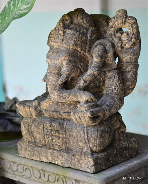 Tilavie Patung Kepala Singa Kayu Mahoni berbagai patung dari batu alam gunung merapi aka batu candi aka batu hitam munthu