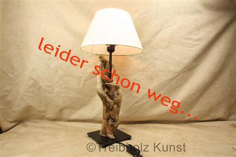 Nachttischle Schirm by Treibholz Le Mit Schirm Www Treibholz Bodensee De