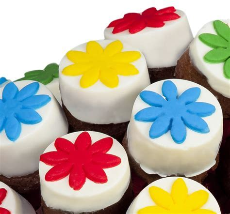 Cakes for children in the shape of a bouquet   Frutiko.cz