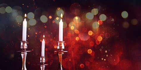 shabbat candle facts  jewish woman  man   shabbat