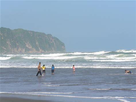 Baju Hijau Pantai Parangtritis pantai parangtritis salah satu pantai mistis informasi wisata indonesia