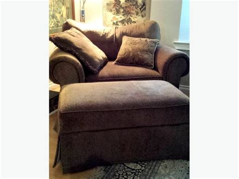 3 Seat Wide Chair With Ottoman Comox