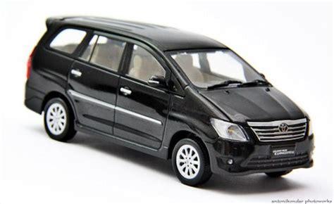 Miniatur Mobil Abarth 500 Diecast Mobil Balap Original Burago Murah jual diecast miniatur mobil push your limit n destroy it