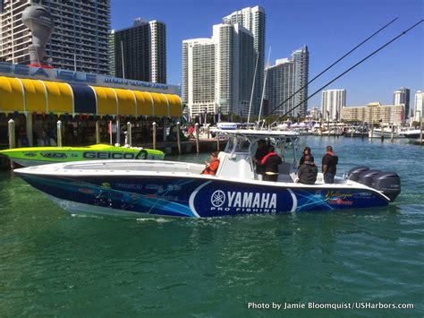 boat show boats photo gallery miami boat show 2015