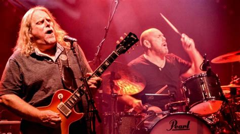 gov t mule guests honor musicians who died in 2016 on jason bonham joins gov t mule in miami indiebrew net