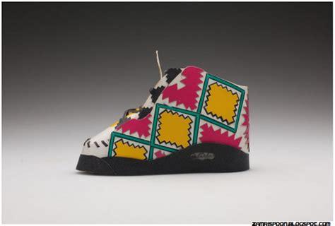 Kotak Rokok Klasik menarik kasut sukan diperbuat dari kotak rokok zamrispoon