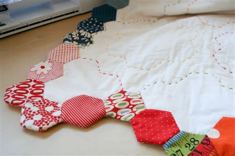 Finishing A Quilt by Free Tutorial Finishing Your Hexagon Quilt By
