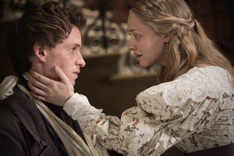 amanda seyfried les mis eddie redmayne talks les miserables and his marvel