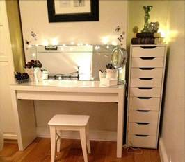Diy Makeup Vanity Best Ideas About Corner Makeup Vanity Diy With Table