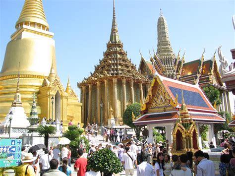 5d Bangkok Pattaya Tour 16 Des 2017 as a human the temple of the emerald buddha in bangkok