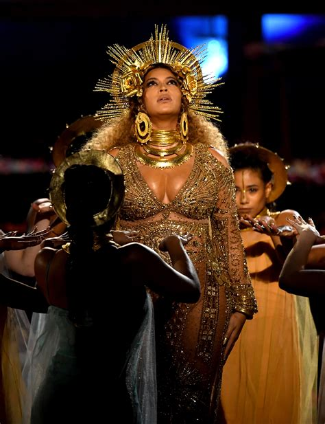 beyonce grammys grammys 2017 all of the iconographic references in