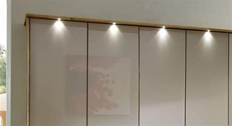 beleuchtung schrank moderner faltt 252 ren schrank z b 3 t 252 rig mit glas morley