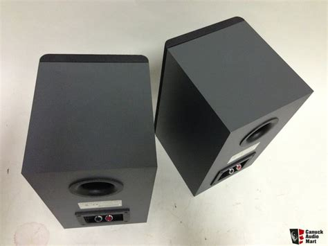 sonos sp100 bookshelf speakers photo 581043 canuck