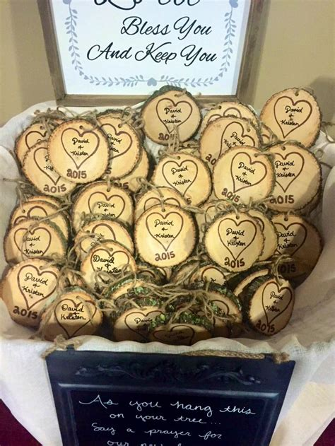 christmas gifts for guests 25 best ideas about rustic wedding favors on wedding wedding buffet