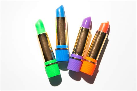 green color changing lipstick the magic color changing lipsticks into the
