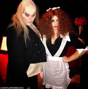 kelly osbourne dresses as magenta from the rocky horror picture show for her 30th birthday