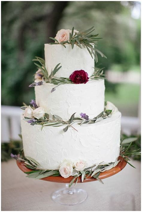 favorite winter wedding cakes wedding inspiration