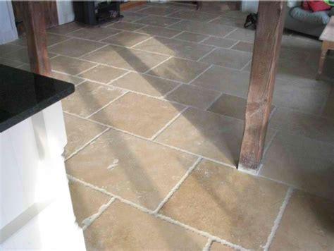 travestine floor