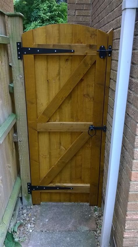 wooden garden gates 900mm e timber products