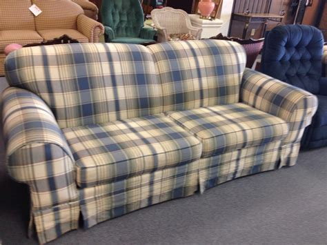 red plaid sofa broyhill broyhill green plaid sofa www gradschoolfairs com