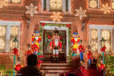 dyker heights brooklyn christmas lights display
