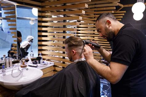 towel shave with proraso by nello at cheam salone barber