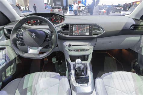 nuova peugeot 308 interni a bordo della peugeot 308