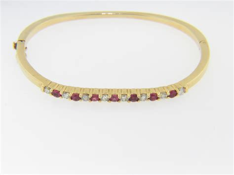vintage 1 25ctw ruby bangle bracelet in