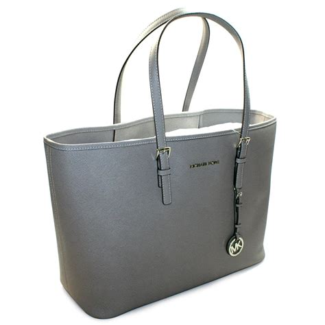 Mk Jetset Travel Pearl Grey michael kors jet set medium travel genuine saffiano leather tote pearl grey sbo00604alus