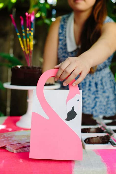 pink  popular  epic diy flamingo crafts